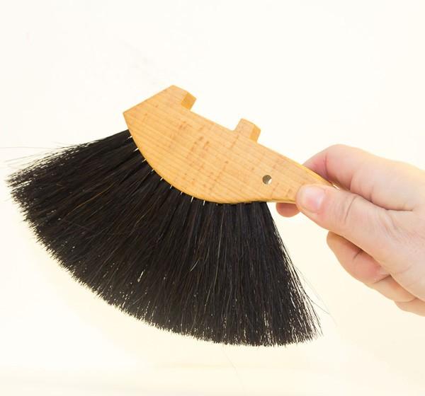 Erizo, cepillo recogedor de migas